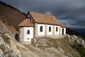 santuario-di-M.Tranquillo-allarrivo-del-sentiero-foto-Domenico-Roselli-300x201
